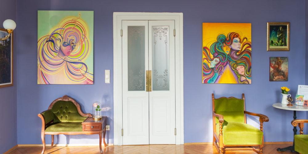 An image of the art and decor on display inside Tatuarium Tattoo Studio Wien