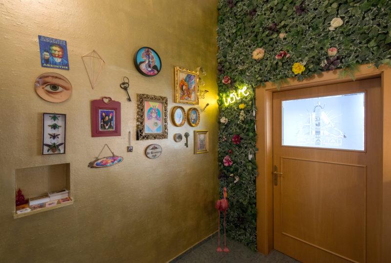 The entrance hallway of Tatuarium Tattoo Studio Wien