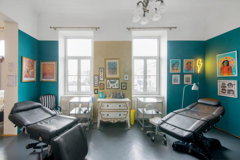 An image of the working area of Tatuarium Tattoo Studio Wien